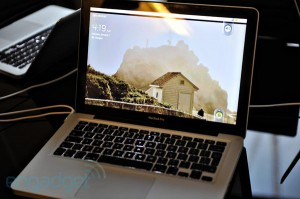 CUPP往一台MacBookPro里塞入了ARM,让它跑起了Android