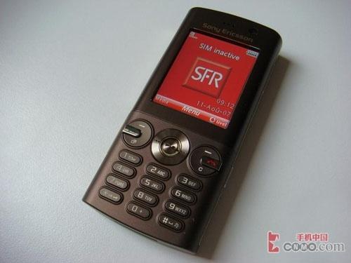索尼爱立信新款手机V640i清晰真机图片